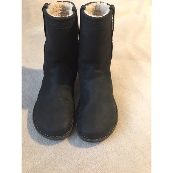 8ffe46beeed Aliso UGG Boots